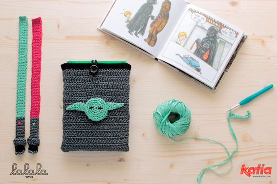 Ready Your Hooks: A Good Looking Baby Yoda Crochet Pattern ... | 378x567