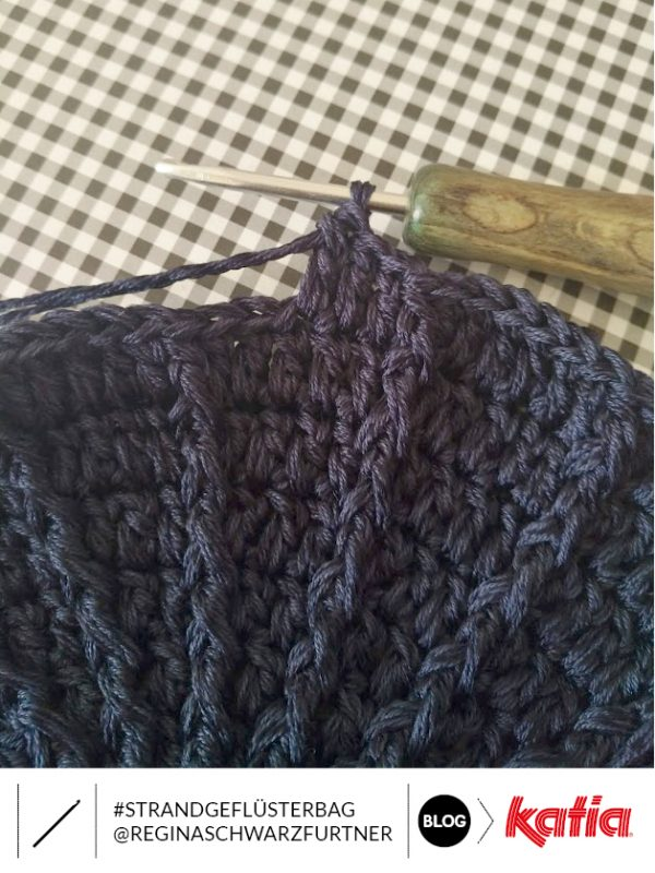 double crochet in relief at front