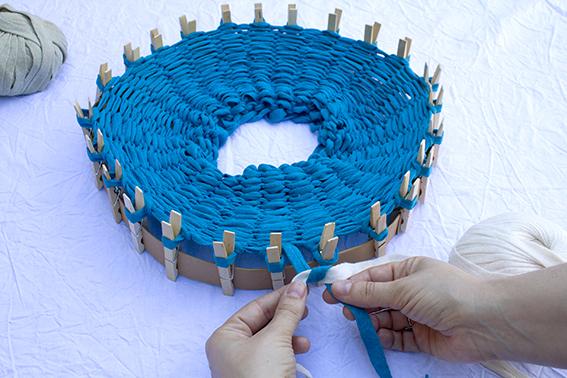 Tejer en el telar circular 4