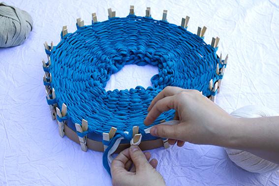 Tejer en el telar circular 5