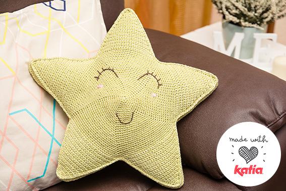 Teje y brilla con esta estrella de ganchillo en tus manos