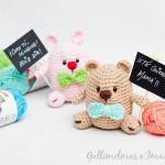 Proyekto Amigurumi   Nounours et petit lapin avec message personnel par Gallimelmas