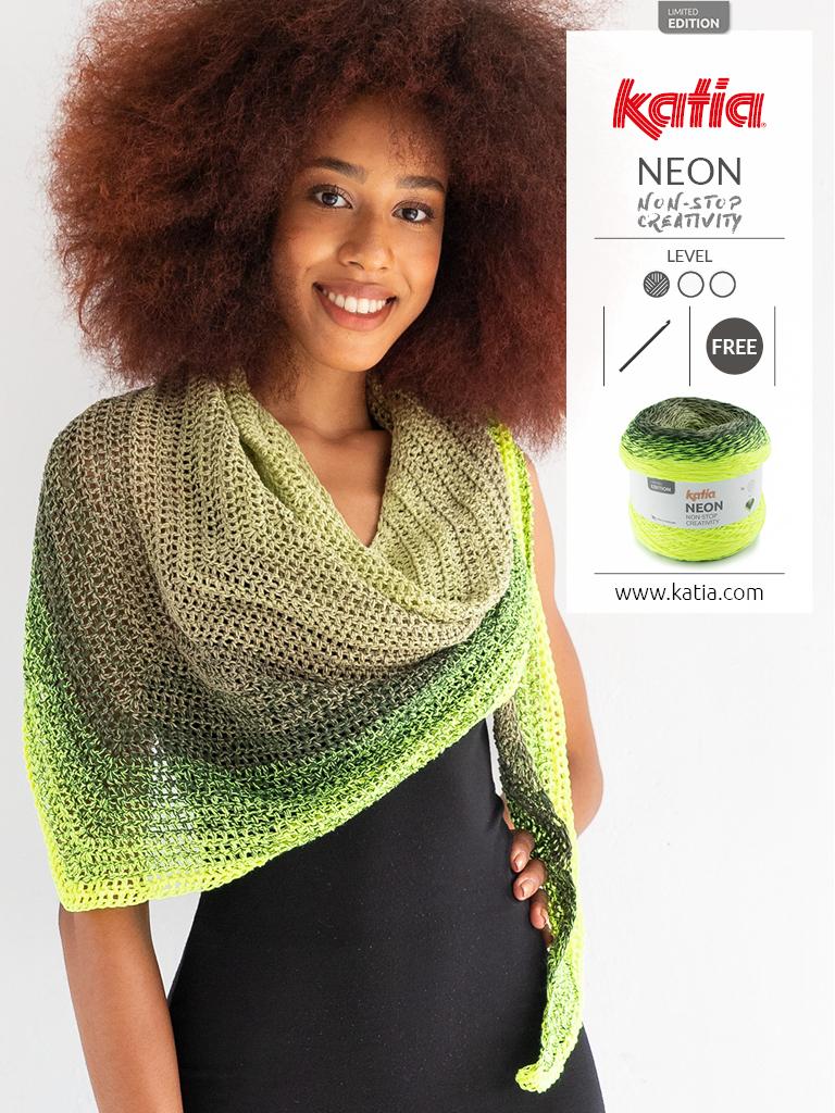 Gratis haakpatroon: omslagdoek / driehoeksjaal met Katia Neon