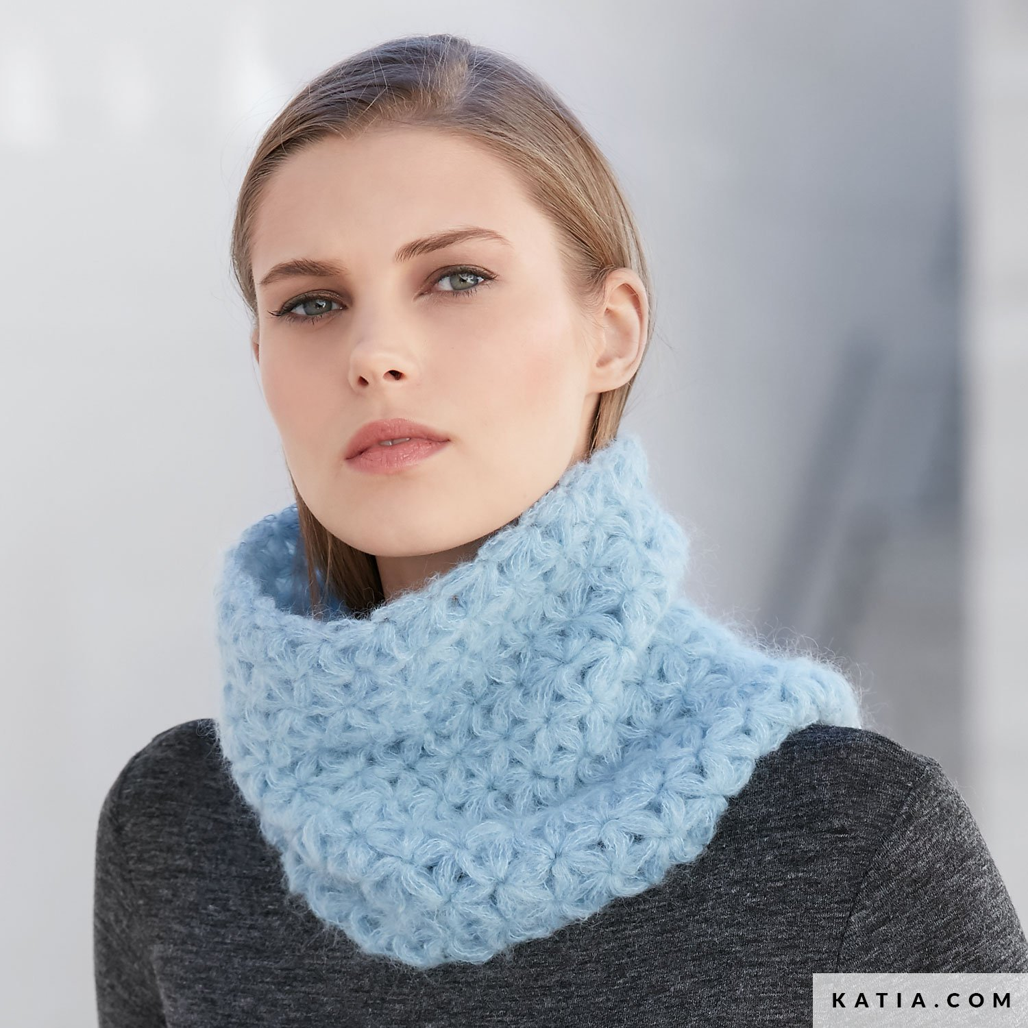 Warm crochet for women: knitting patterns, photo