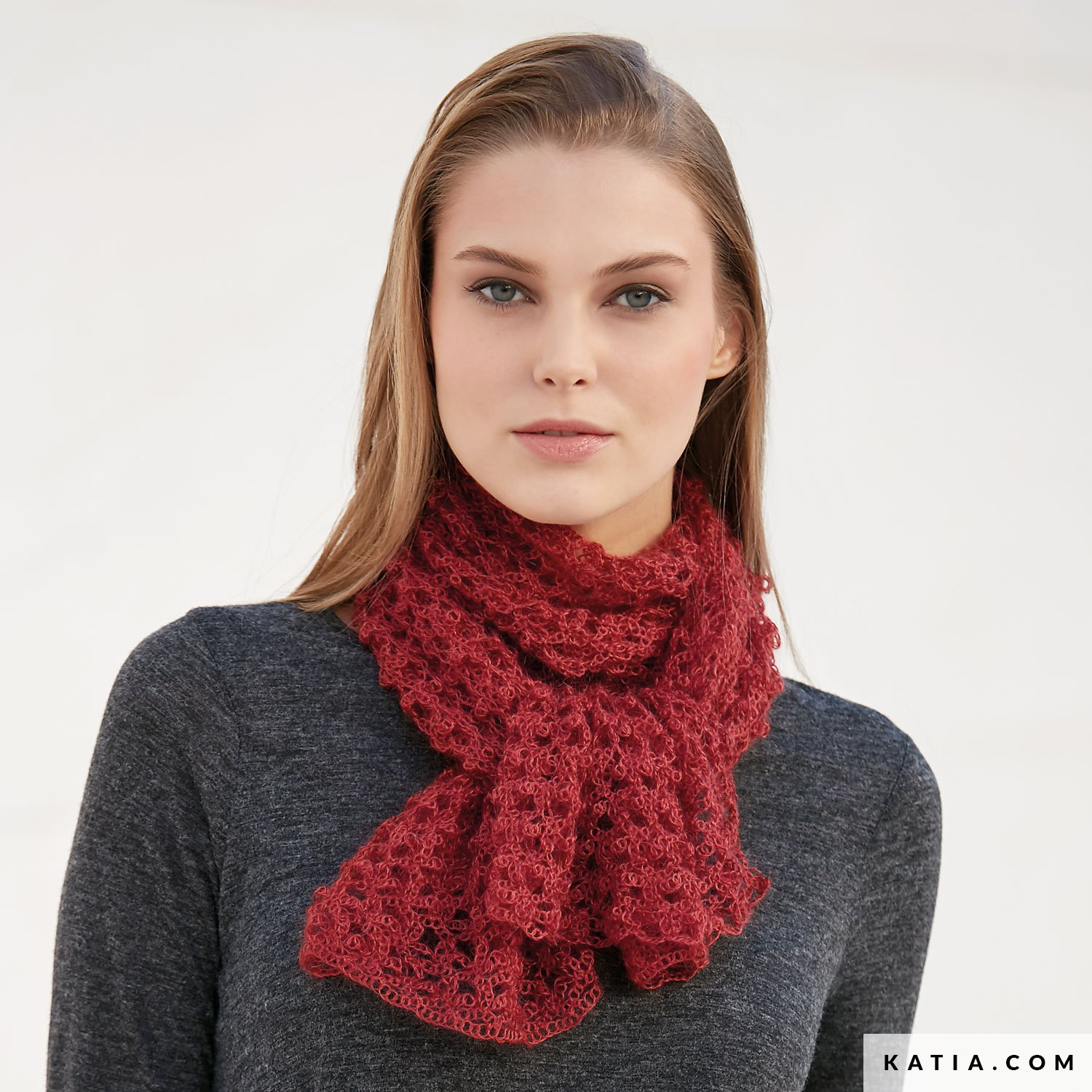 Scarf - Woman - Autumn / Winter - models & patterns | Katia.com