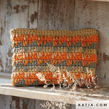 pattern knit crochet woman handbag autumn winter katia 8030 422 p
